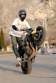 "<strong>Show de stunt et freestyle</strong> - Magasin Polo à Villeneuve - 2010<br /> Avec <a href=""http://chelenkov.com/"" target=""_blank"">Victor Chelenkov</a>"